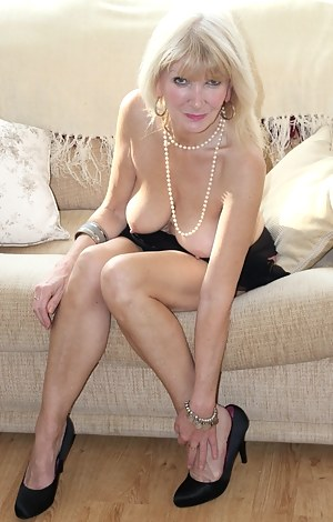 Beautiful hairy classy blonde milf thumbs speaking