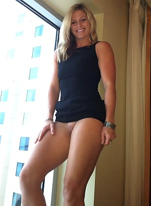 Nackt gallery milf American and